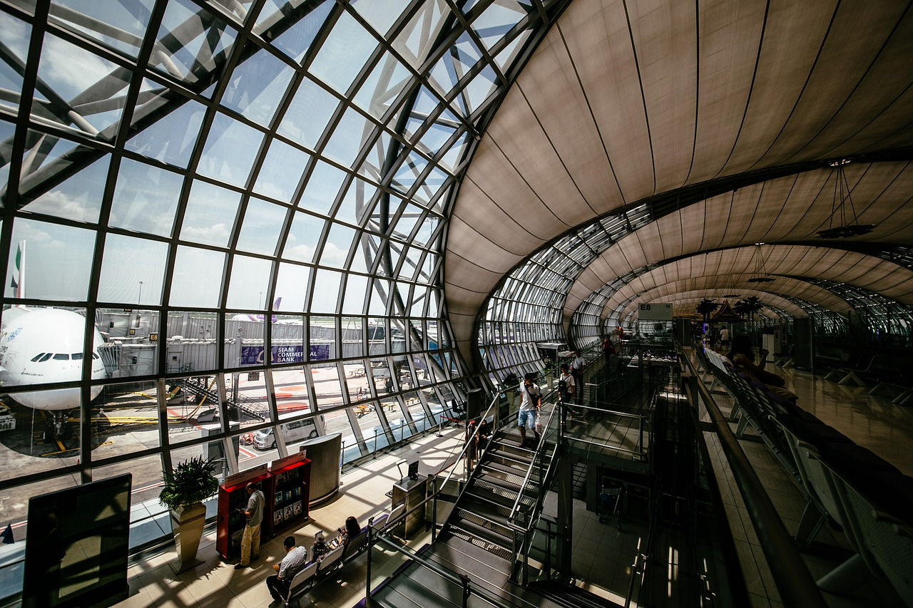 airport-1853505_1280